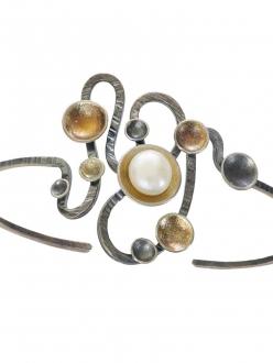 Contemporary Swirl Pearl Bracelet