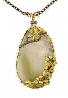 Mother of Pearl Pendant with Gold Flowers