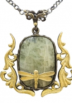 Green Quartz Pendant with Gold Dragonfly