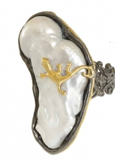 Raw Mother of Pearl Ring with Gold Lizard
