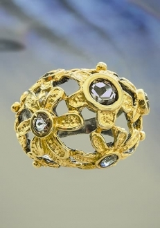 Domed Floral Gold Ring with Zultanite